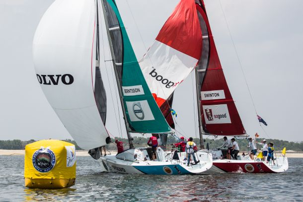 Keith Swinton going against Johnie Berntsson during qualifying at the Monsoon Cup. Photo © Robert Hajduk / AWMRT.