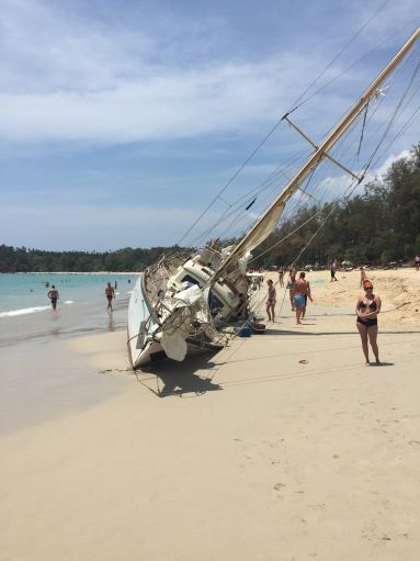 Yacht aground Kuta Bay