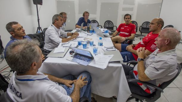 Mapfre representatives with the jury. Photo Ainhoa Sanchez / Volvo Ocean Race.