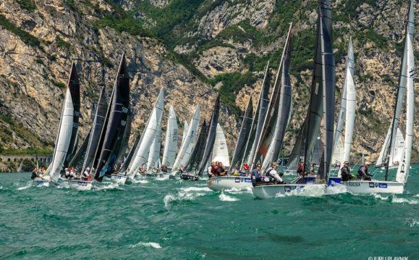 The SB20 fleet on a close reach on Lake Garda. Photo sportsboatWorld.com