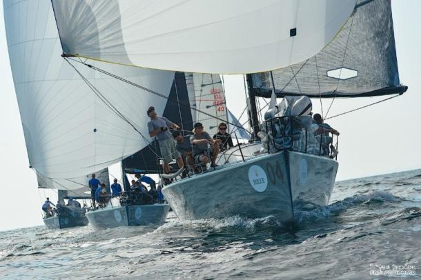 Helmut Jahn steers Flash Gordon 6 to victory in race 4. Photo Farr 40 Assn.