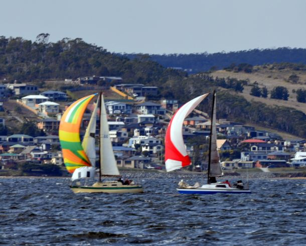 Ragtime and Quebrada match racing in DIvision 3.  Photo Peter Watson