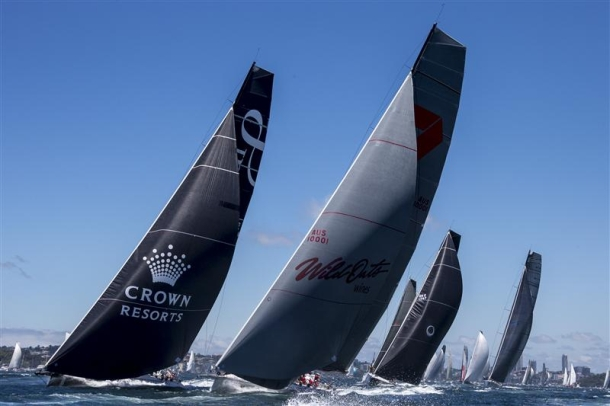 Maxis at the start of the 2013 Sydney to Hobart Yacht Race. Photo Rolex/Carlo Borlenghi.
