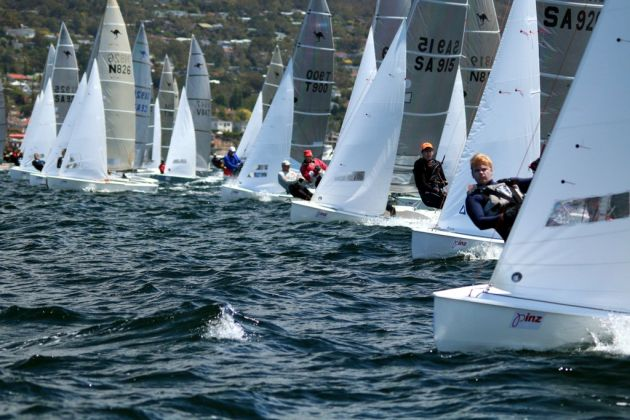Start of the first race of the Sharpie nationals. Photo Angus Calvert.