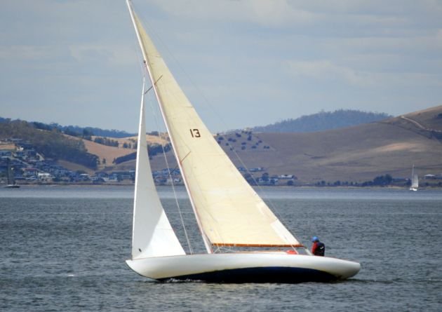 Bronzewing beating to windward on the Derwent yesterday