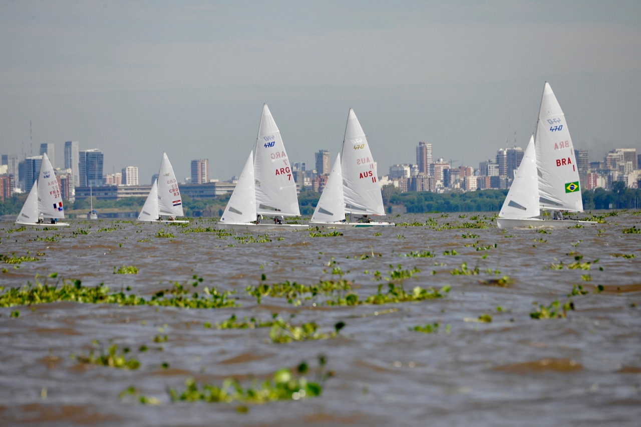 Weed on the course at the South American Championships in Buenos Aires. Photo Victor Kovalenko.
