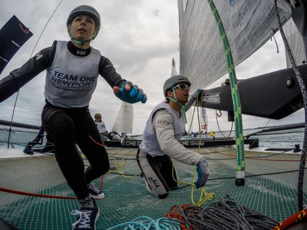 Fast paced action on Team Magenta 32 (Image by Jen Edney Photography/ M32 Series).