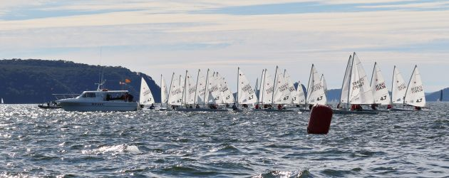 Thirty Laser 4.7s jostle for position. Photo Julie Derry.
