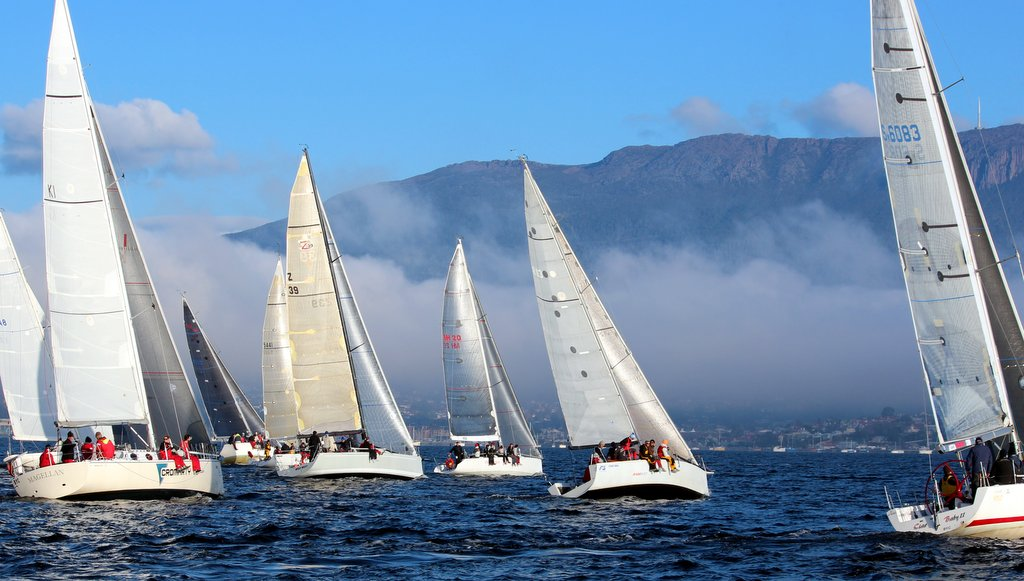 Division 1 starts with the 'Bridgewater Jerry' fog bank in the distance.  Photo Peter Watson.