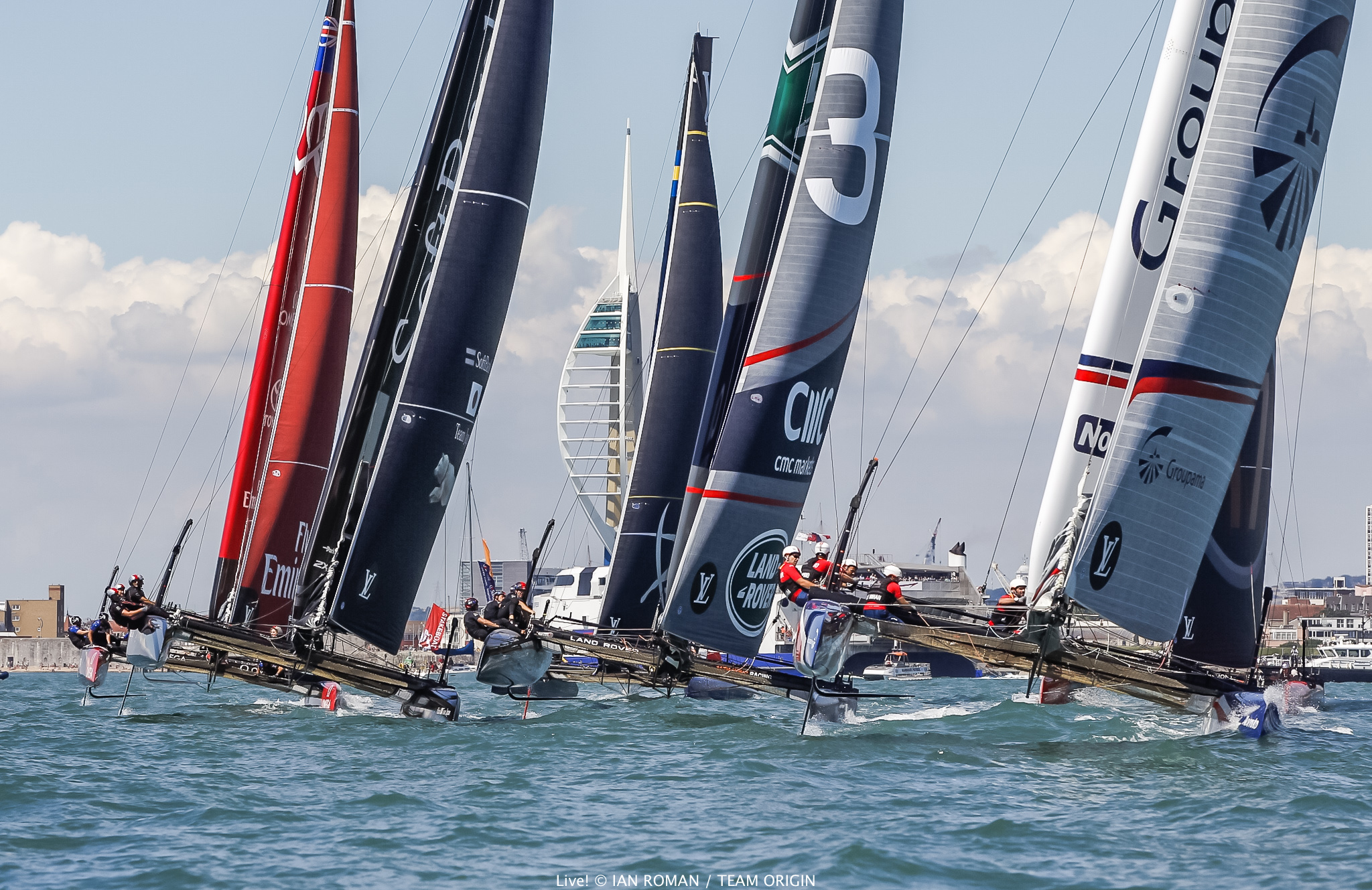 Racing at the ACWS Portsmouth. Photo Ian Roman/ACEA.