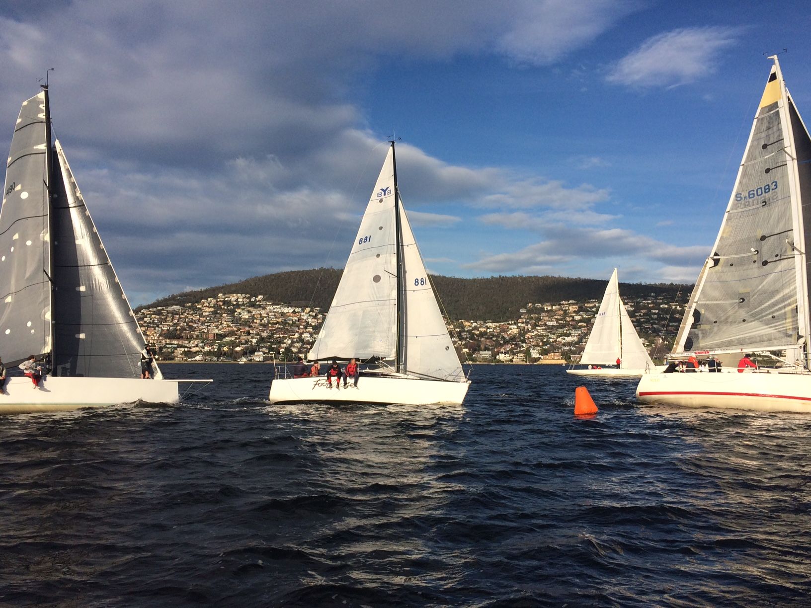 Winter racing on the Derwent. Photo Peter Campbell.