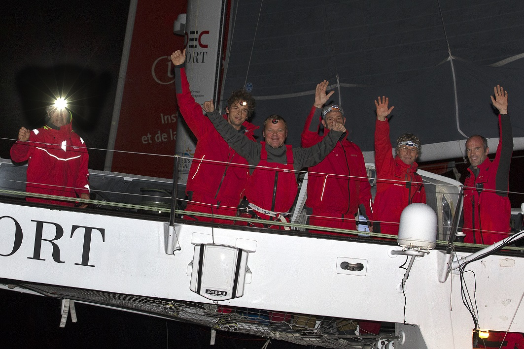 IDEC SPORT before leaving to for their Jules Verne record attempt. Photo JM Liot/DPPI/Idec Sport.