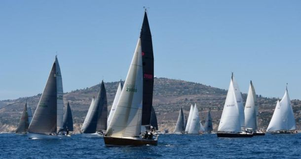 The first start of the 2015 Transpac. Photo Doug Gifford/Ultimate Sailing.