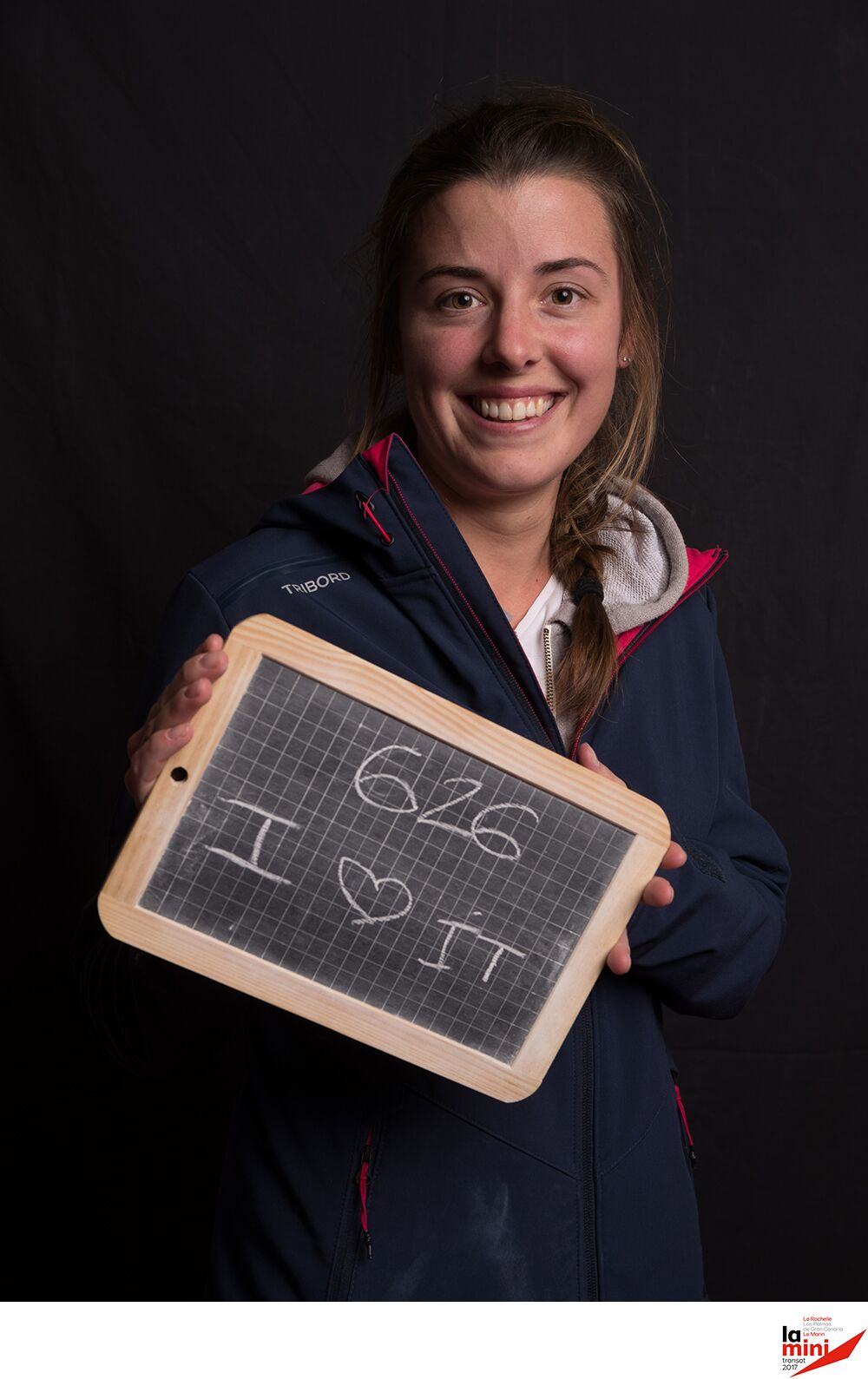 Nolwen Caze shows her support for the Mini Transat. Photo Agence Effets Mer