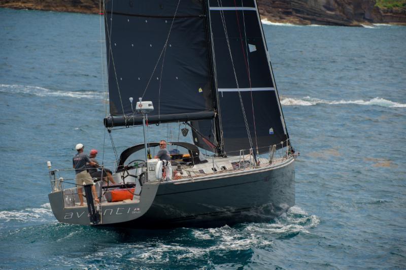 Avanti-at-the-start-of-the-Antigua-Bermuda-Race--Ted-Martin-pic