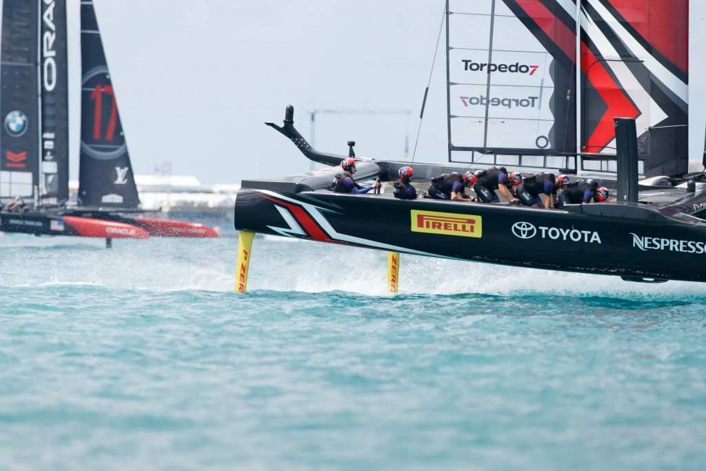 Emirates-Team-NZ-leads-Oracle---ETNZ-pic.