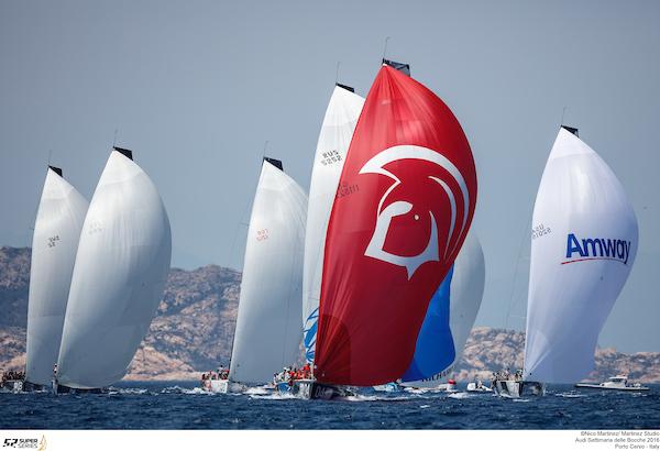 Close-racing-under-spinnaker - Nico-Martinez-pic