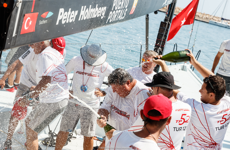 Champagne-spray-on-Provezza---Super-52-Series-pic