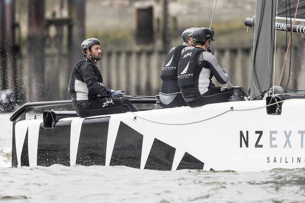 Act-5-Hamburg-2017---day-two---NZ-Extreme-Sailing-Team---Lloyd-Images