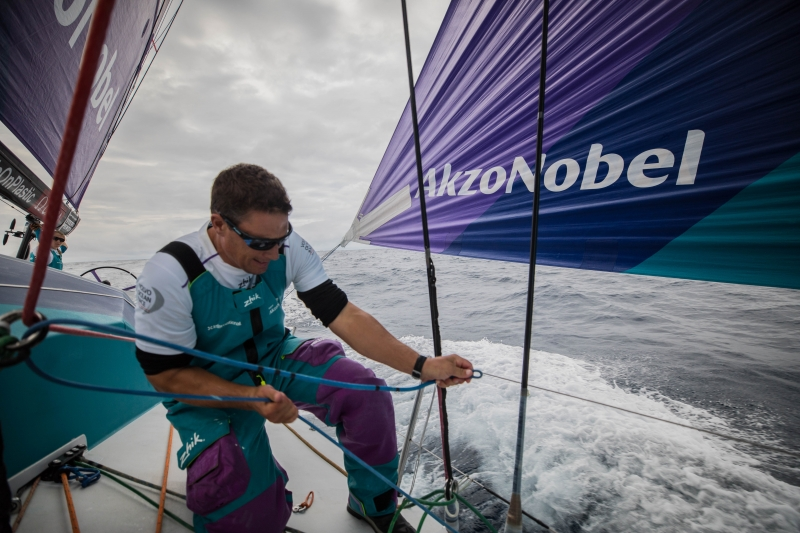 Justin-Ferris-does-his-thing-on-Akzonobel---Rich-Edwards/VOR-pic