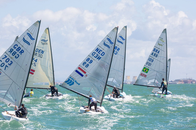 Downwind-balancing-act---Robert-Deaves-pic