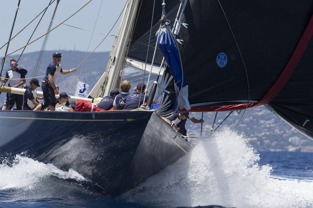 J Class action at Palma. Photo Claire Matches.
