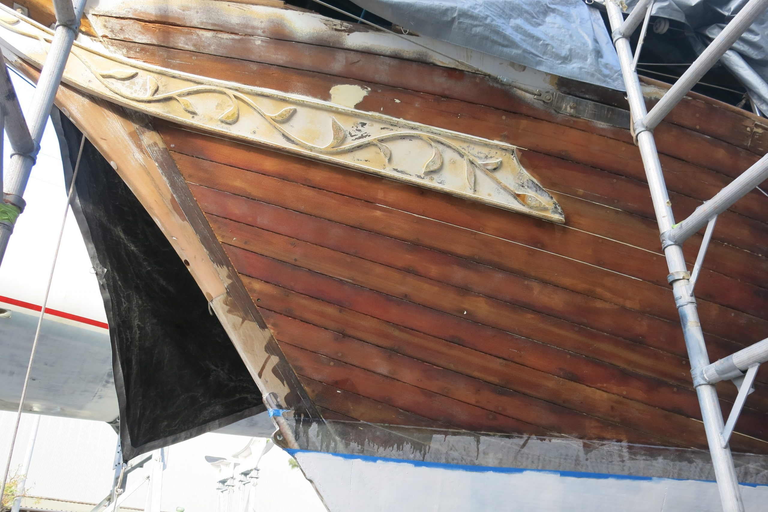 Intricate bow detail on Wright of Passage.