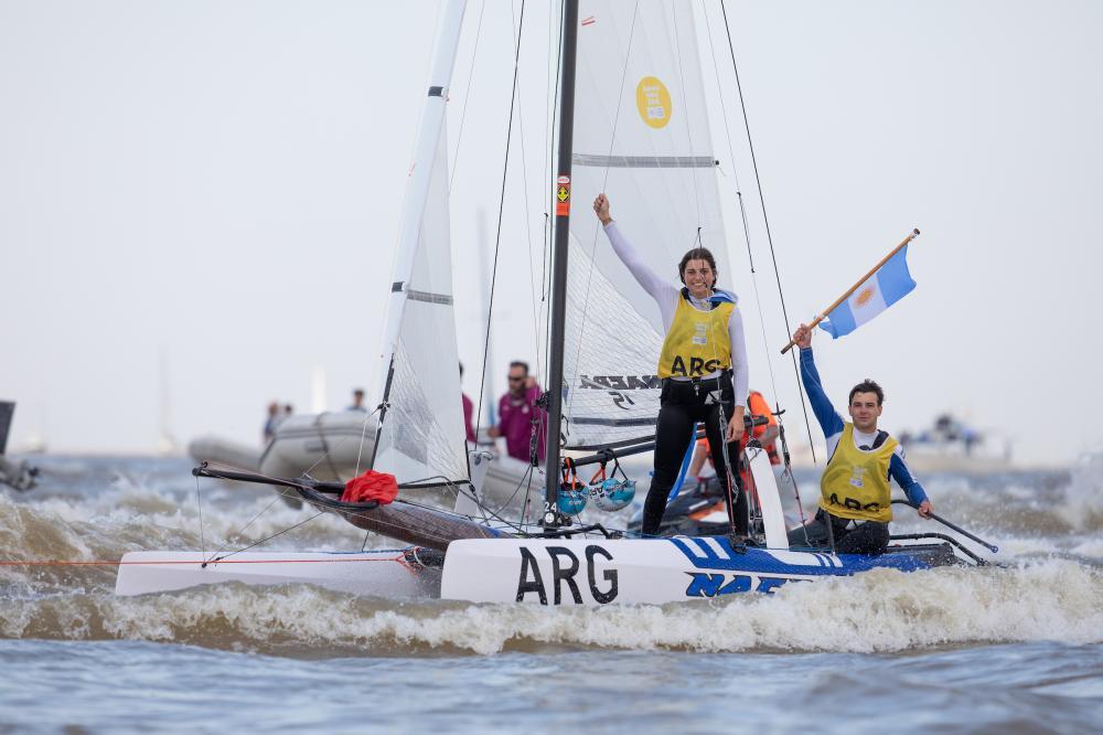 The winning Argentine crew. Photo Matias Capizzano./World Sailing.