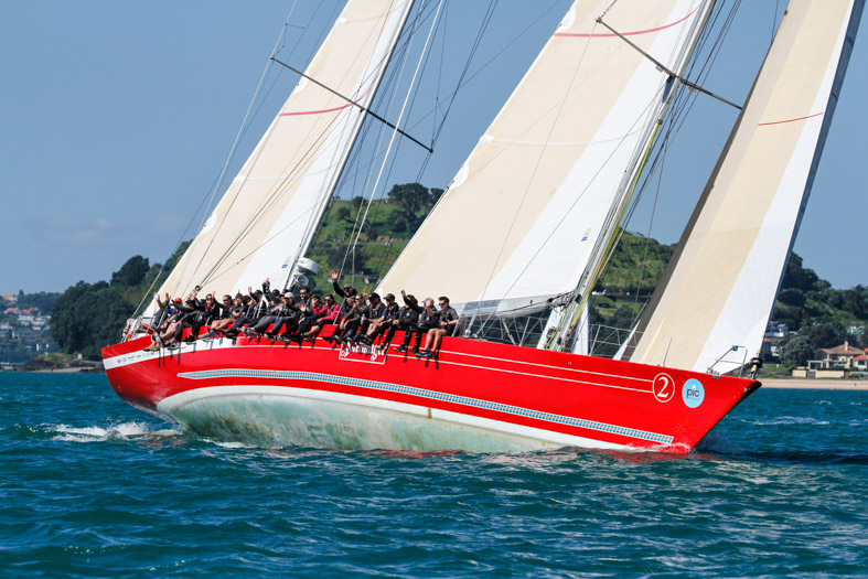 Steinlager-used-her-waterline-length-and-sail-area-for-speed