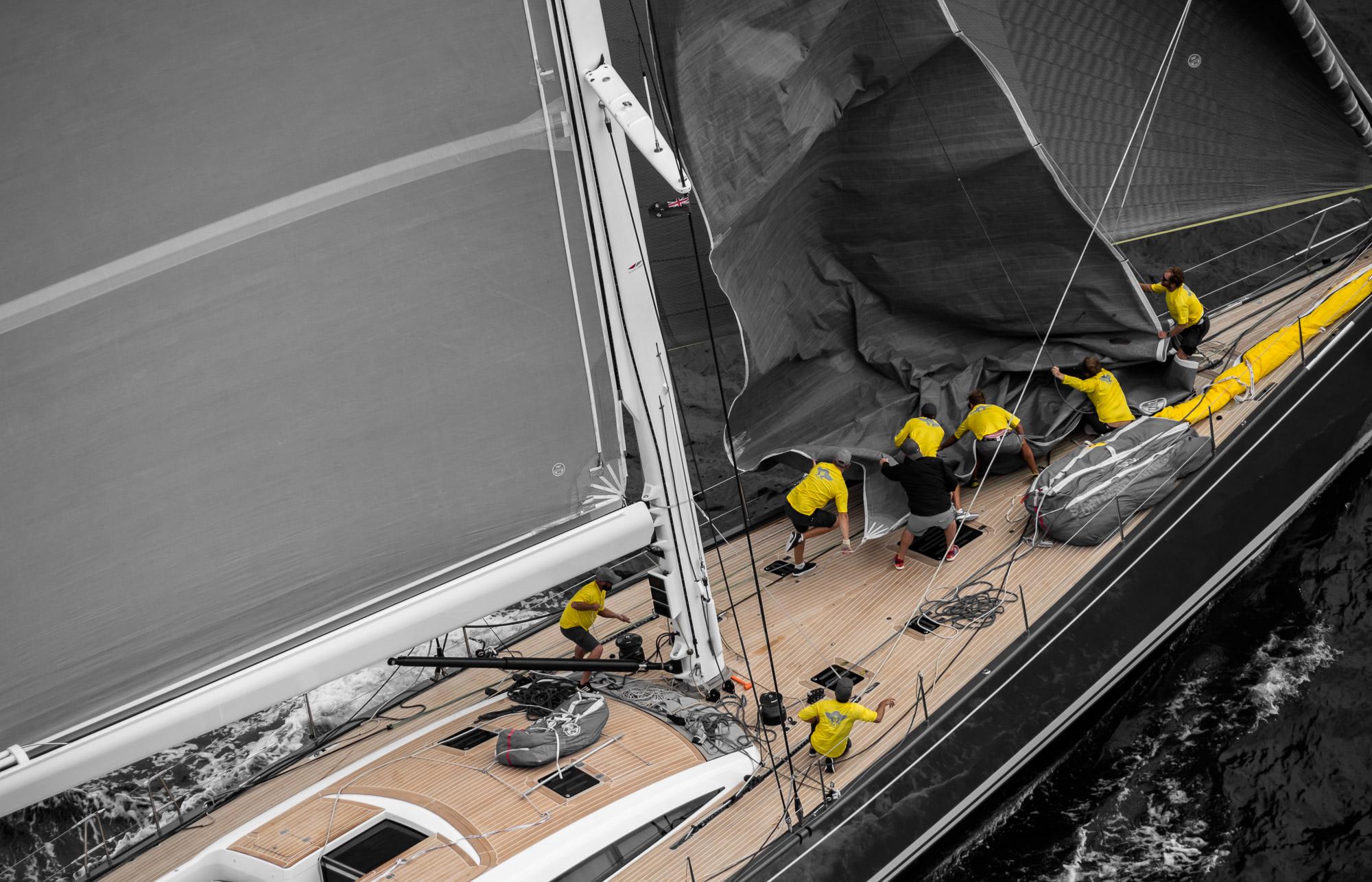 Freya crew-in-deft-sail-change