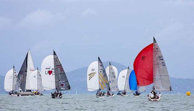 Still plenty to play for in the Platu Class. Photo by Guy Nowell.