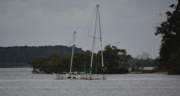 Sunken yacht. Photo Roger McMillan.