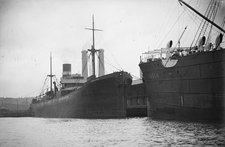 SS Iron Crown alongside SS Hagen (Supplied National Maritime Museum of Australia).