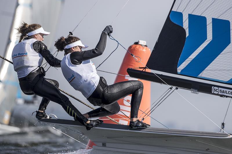 Annemiek-Bekkering-and-Annette-Duetz---keeping-the-dream-alive---Sander-van-der-Borch-pic