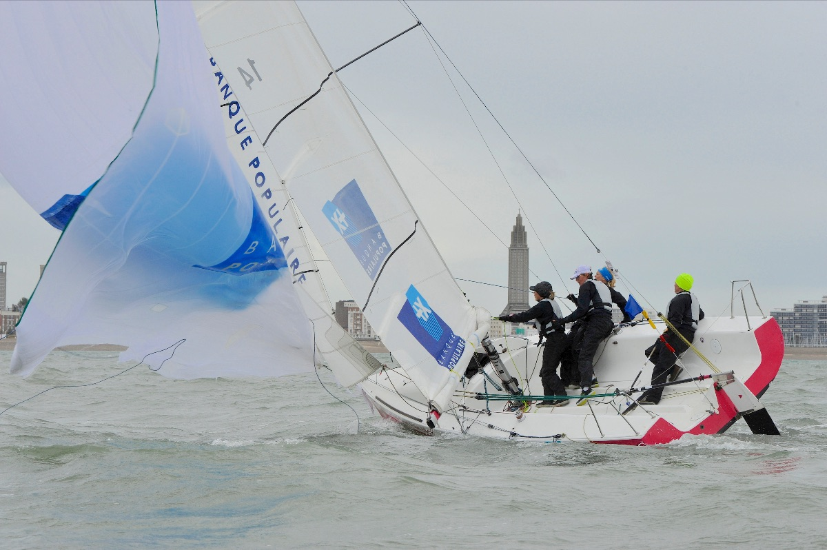 Team Marie struggling in the harsh winds - Patrick Deroualle pic