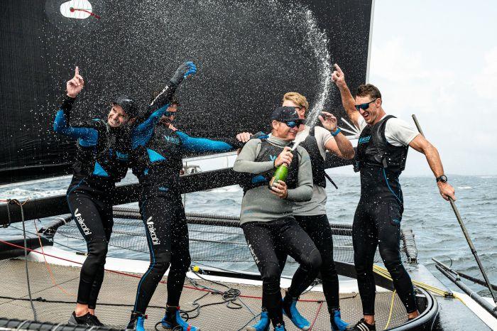 Pieter Taselaar and his winning Bliksem crew. Photo: M32 World / Drew Malcolm.