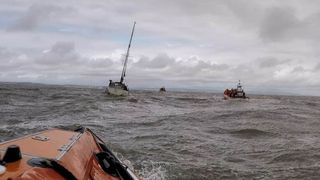 The first rescue (RNLI / Glyn Hayes)