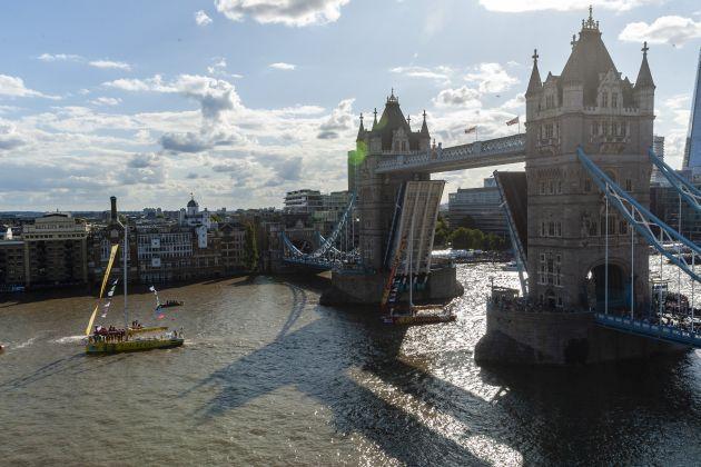 Punta de Este passes under Tower Bridge. Photo Jason Bye.