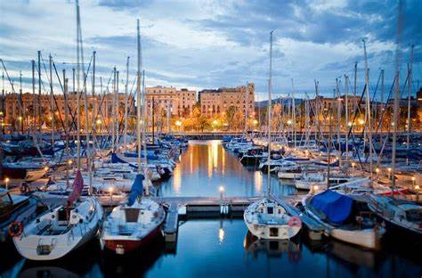 A lifeless body was found under a boat in Port Vell in Barcelona.