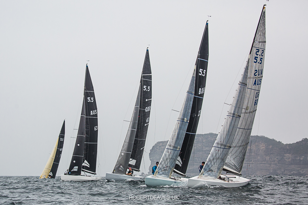Start of the Alfred's Gold Cup. Photo Robert Deaves.