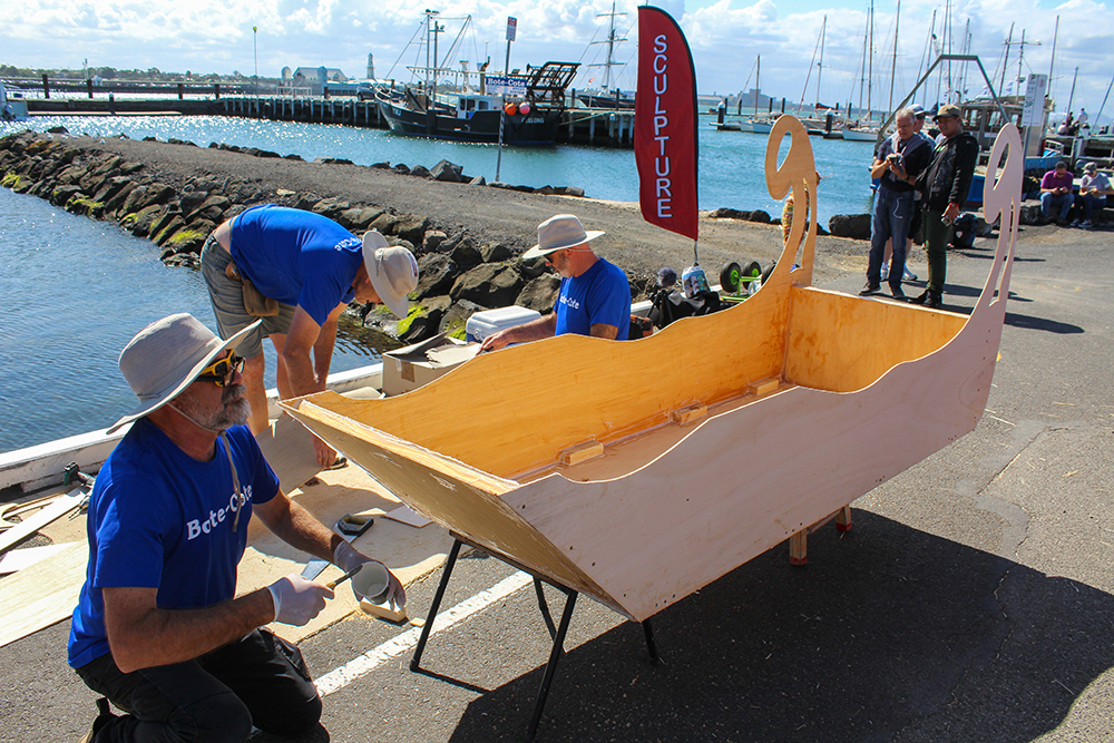 Geelong Sculptors with their artistic boat design. Photo Credit Sarah Pettiford.
