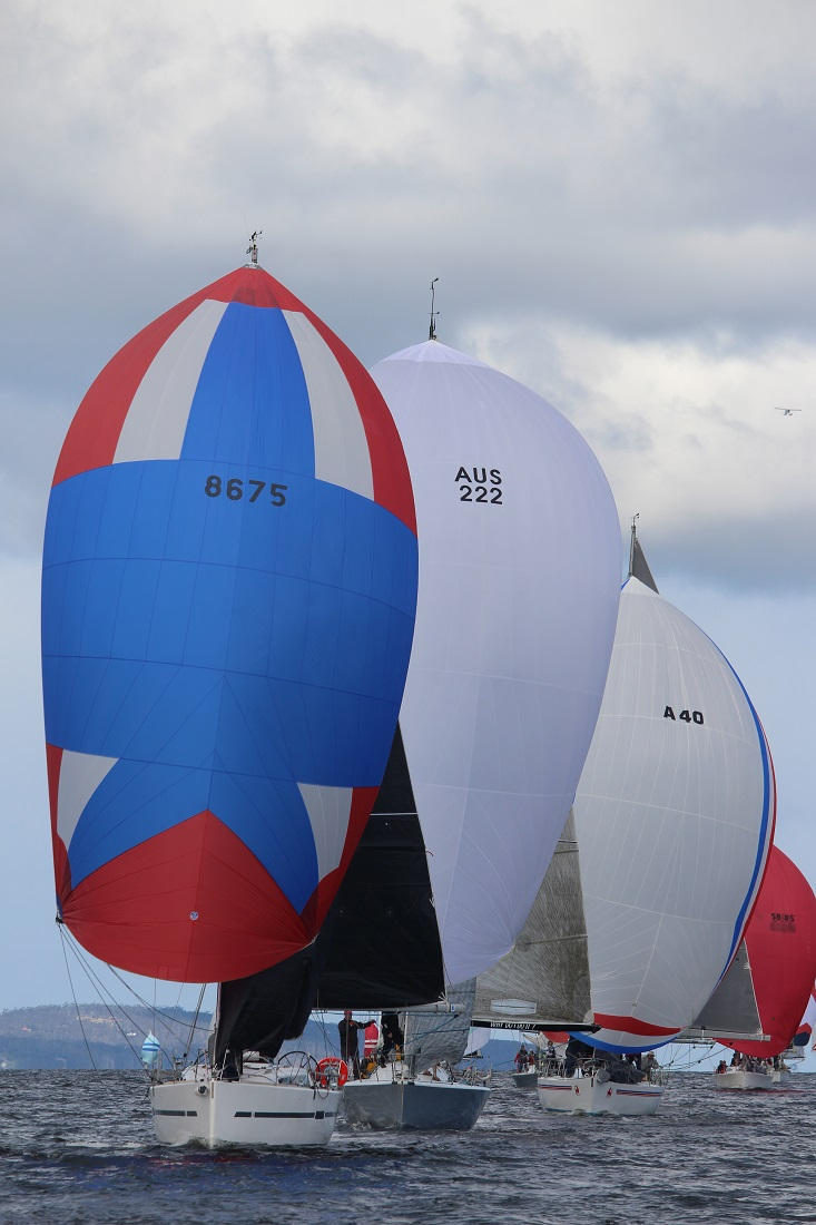 42-South-leading-the-fleet