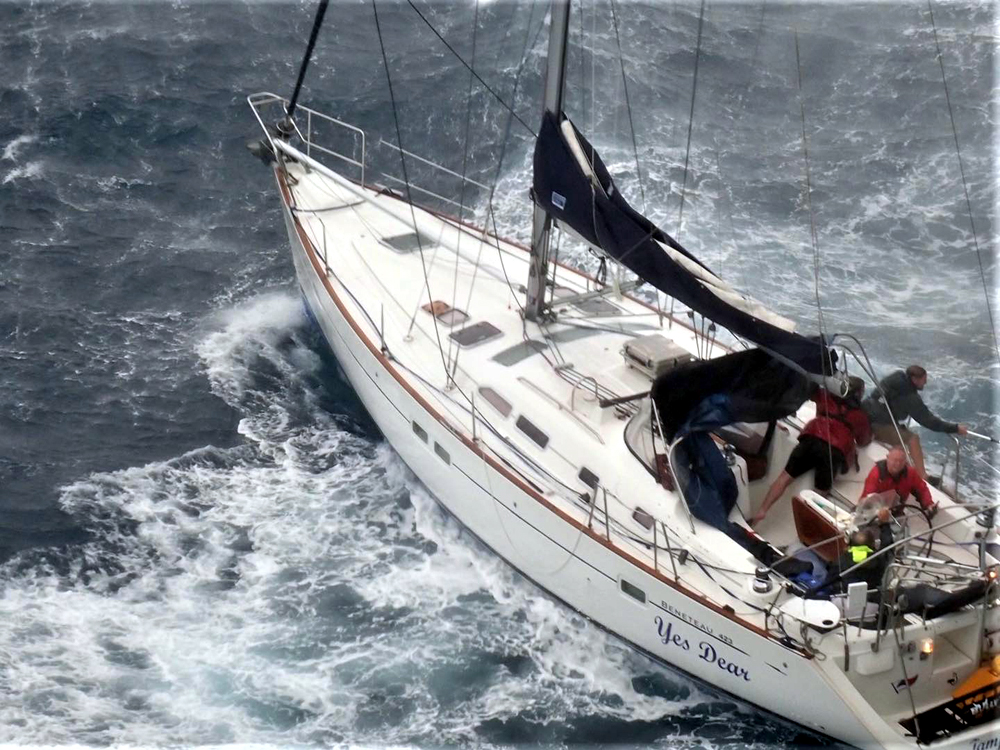 Scenes of the rescue by the COSCO Malaysia - courtesy of COSCO Shipping.