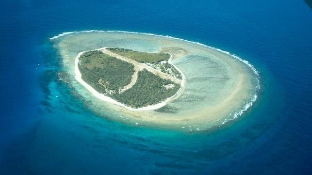 Australia's Lady Elliot Island (photo LordDimwit at English Wikipedia)