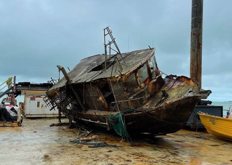 Torres Strait wreck removed. Photo MSQ.