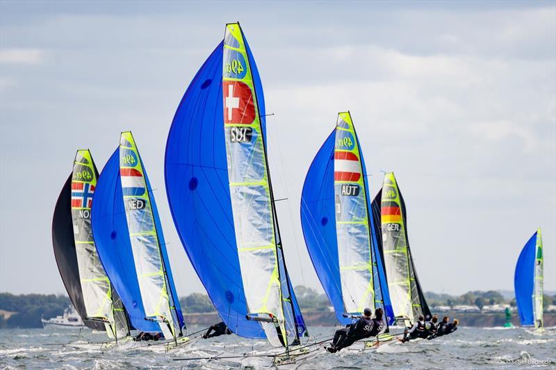 Large fleets are the hallmark of Kiel Week - www.segel-blider.de pic