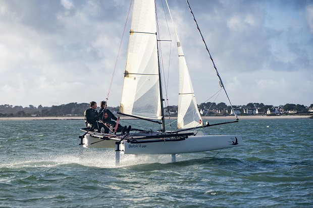 Two hulls - three ways to fly on the Befoil 16
