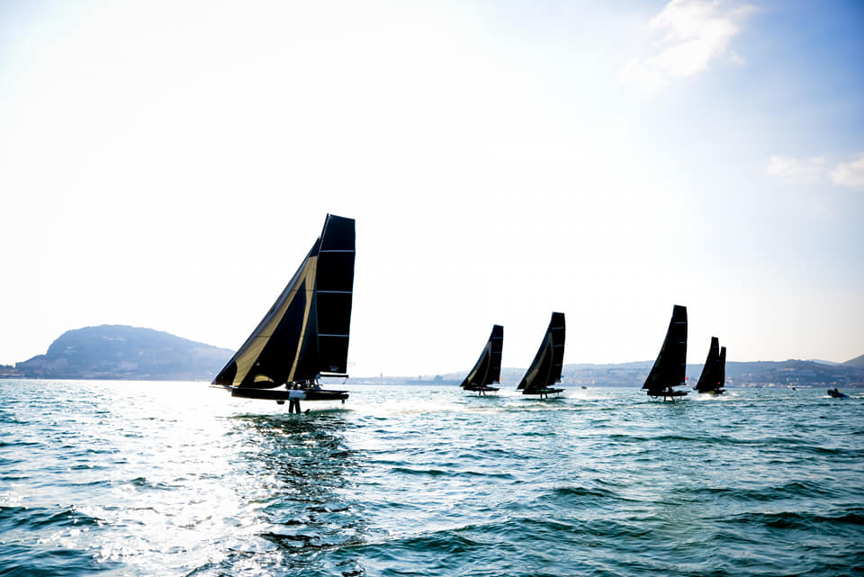 The fleet racing and foiling upwind