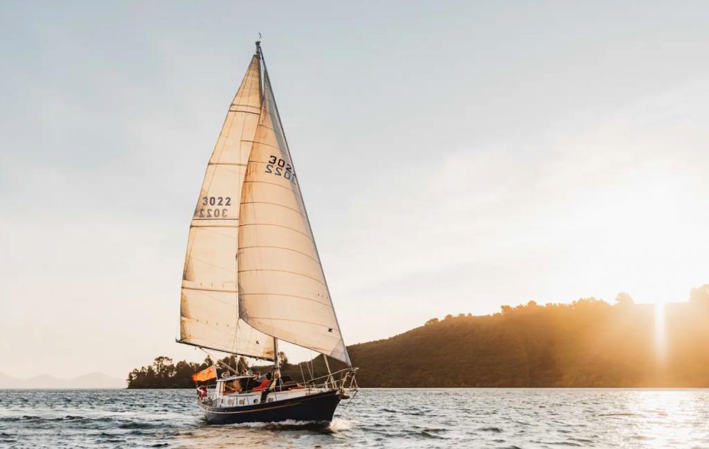 Dave Nesbitt's 14m sloop Kindred Spirit on the stunning waters of Lake Taupō