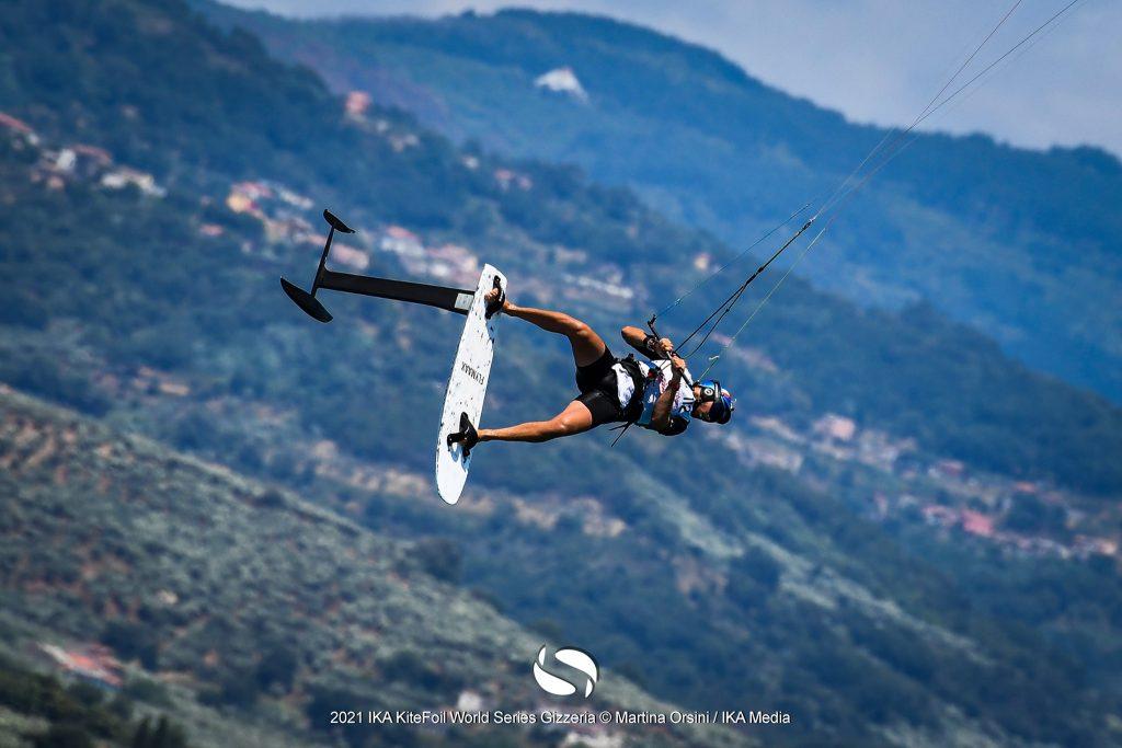 Kitefoiler in the air